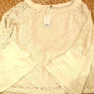 NWT Olive + Rose cream lace bell sleeve top Medium